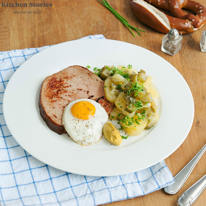 Bavarian meatloaf with potato salad
